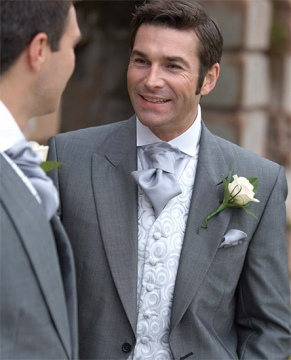 Why it is better to hire a wedding suit than to buy it
